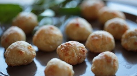 Olive cheese puffs